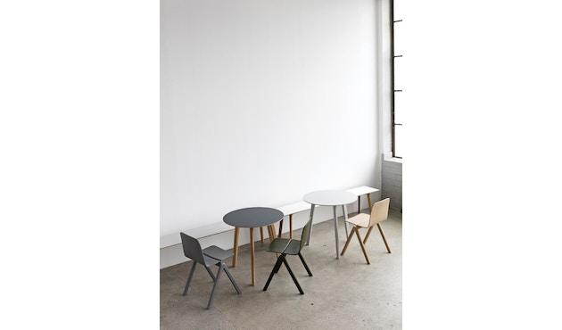 HAY - Copenhague Deux CPH 220 Tisch - Platte tintenschwarz - Gestell Eiche matt lackiert - Ø 98 cm - 5