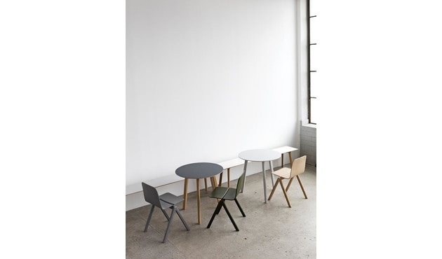 HAY - Copenhague Deux CPH 220 Tisch - Platte tintenschwarz - Gestell tintenschwarz - Ø 75 cm - 6