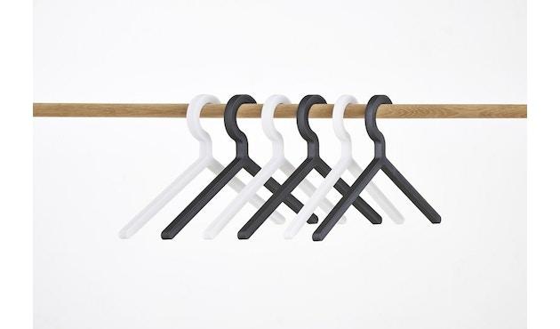 Woud - Illusion Kleiderbügel - Black - 4