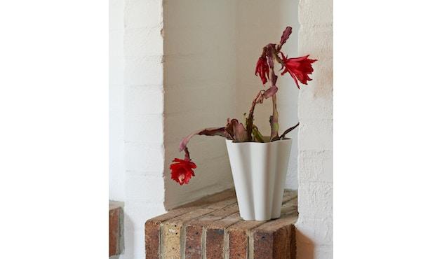 HAY - Iris Vase - 2