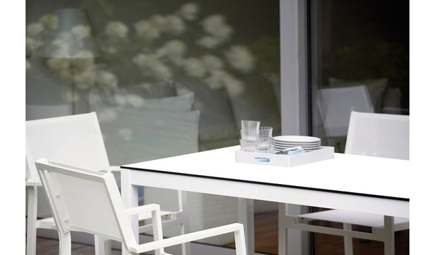 Jan Kurtz - Quadrat Tisch - 90x90 - Gestell weiß - HPL weiß - 5