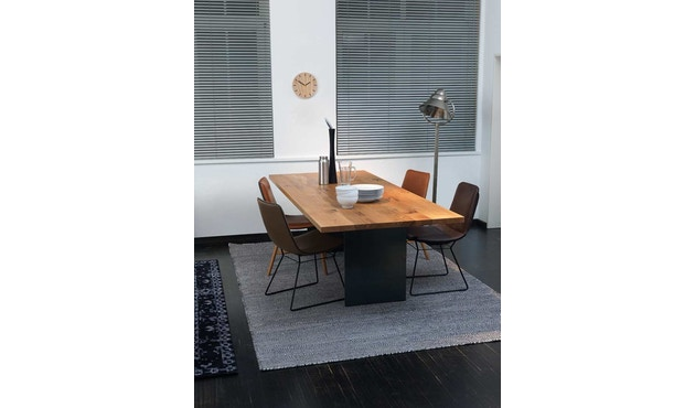 Janua - SC 41 tafel - gepoedercoat zwart - Eiken natuur geolied - 180 cm - 90 cm - 1