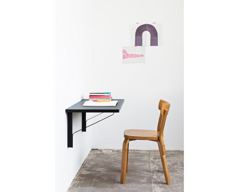 Artek - Kaari Konsole - Linoleum schwarz - schwarze Kante - Gestell Naturholz mit Schutzlack - 8