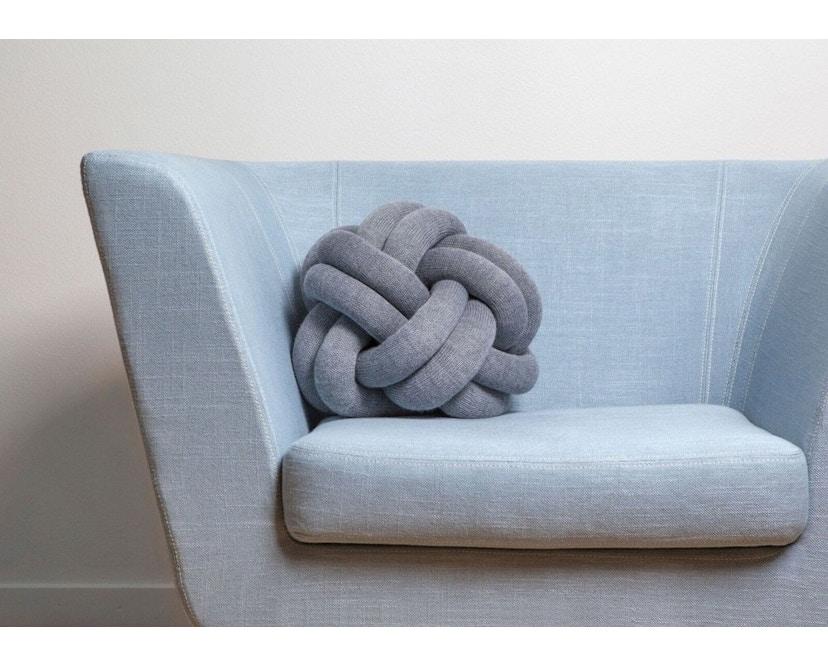 Design House Stockholm - Knot Kussen - gelb - lichtgrijs - 3