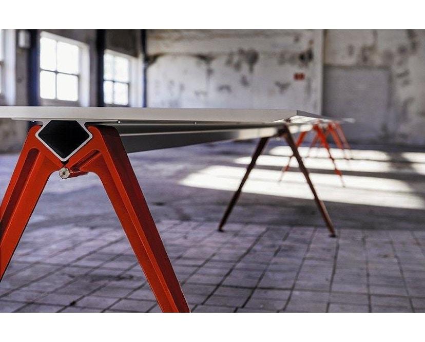 Randers + Radius - GRIP Basic tafel - 239 - 80 cm - wit - Zonder stekkerdoos - zwart - 25