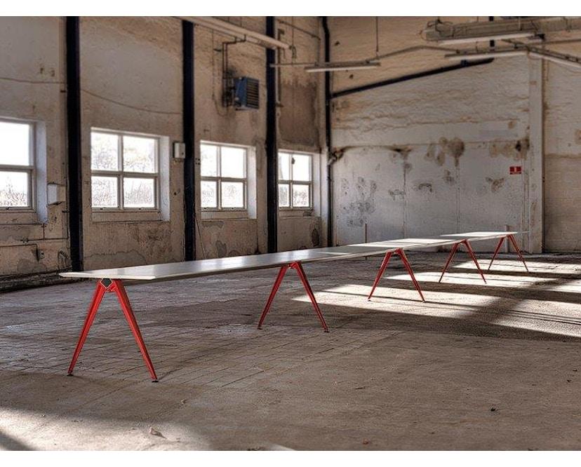 Randers + Radius - GRIP Basic tafel - 239 - 80 cm - wit - Zonder stekkerdoos - zwart - 26