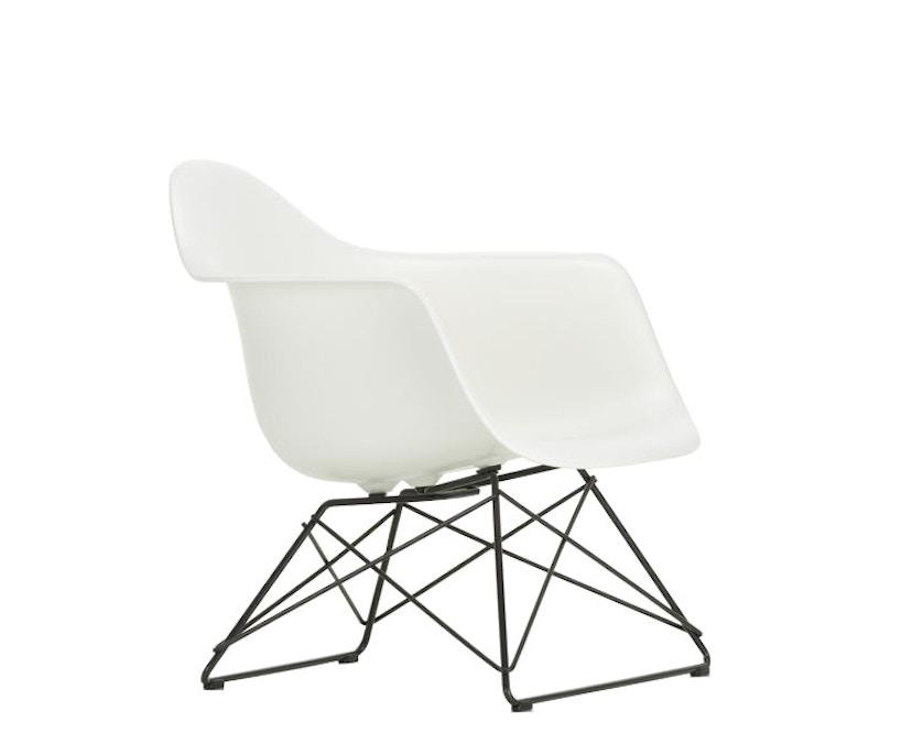 Eames Plastic Armchair LAR