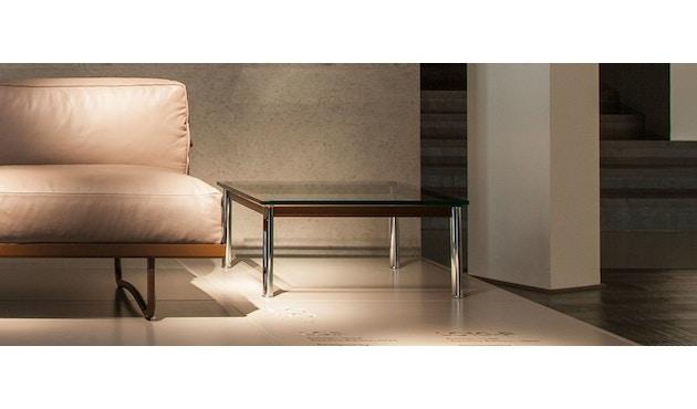 Cassina - LC 10-P Couchtisch - Tischplatte aus Kristallglas - Zarge weiß - 70 x 70 cm - 4