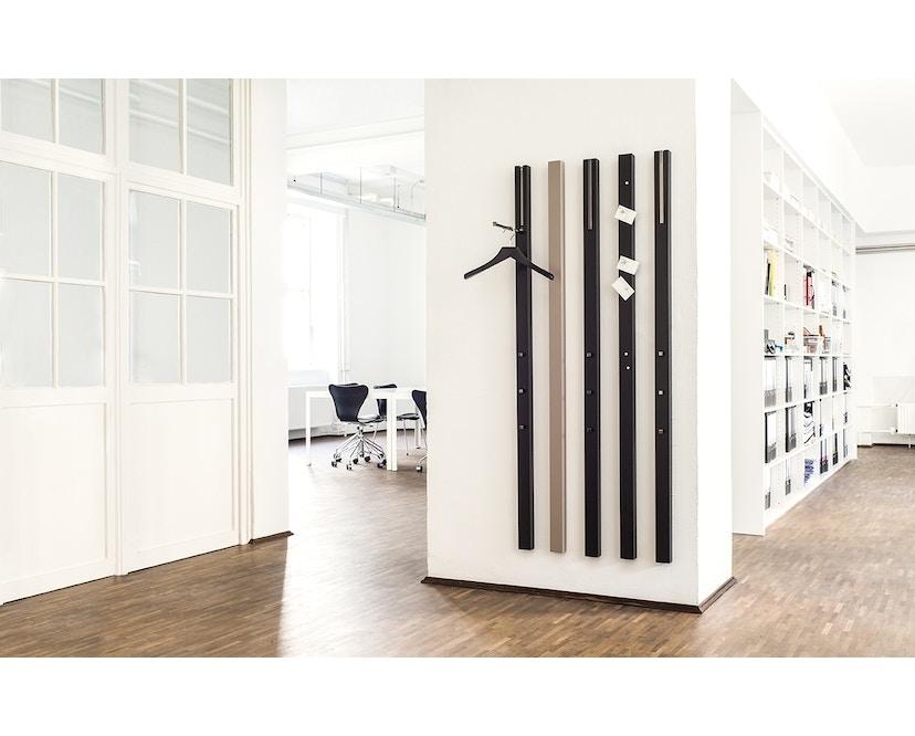 Schönbuch - Line Wandgarderobe - Lack schwarz - mit ausklappbarer Stange - 4
