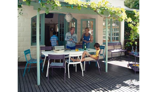 Fermob - LUXEMBOURG Gartenbank mit Rückenlehne - 67 Mohnrot satiniert - 4