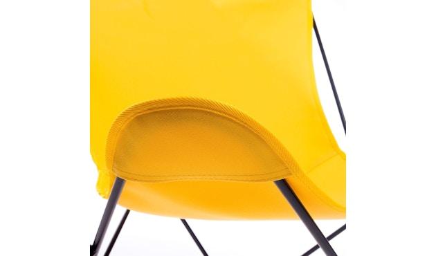 Manufakturplus - Butterfly Chair Hardoy - B.K.F. Chair Stahlrahmen schwarz, Acryl gelb - 5