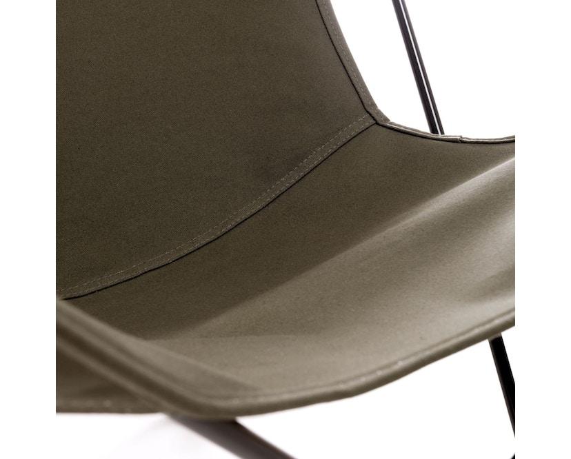 Manufakturplus - Butterfly Chair Hardoy - B.K.F. Chair Stahlrahmen schwarz, Baumwolle oliv - 3