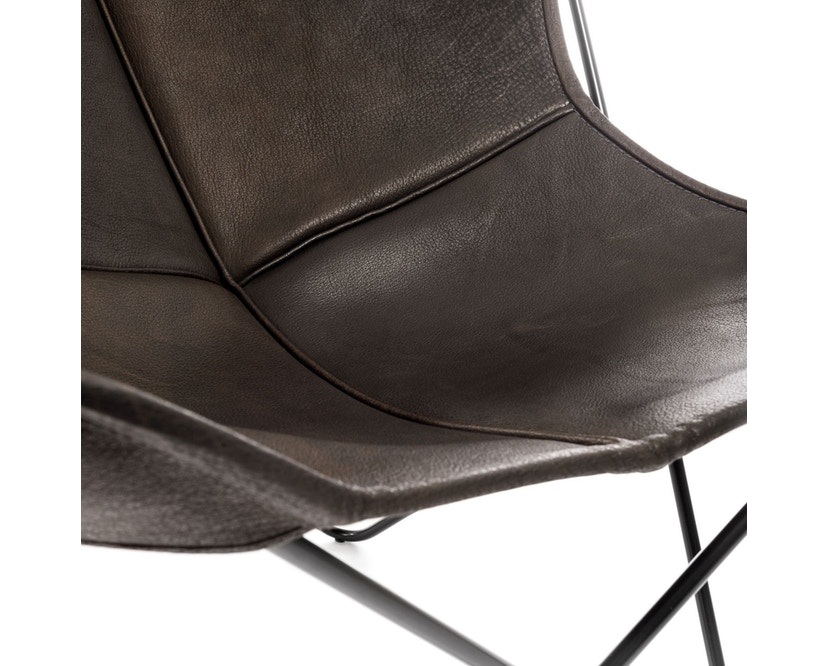 Manufakturplus - Butterfly Chair Hardoy - B.K.F. Chair Stahlrahmen weiß, Biobüffel-Leder schwarzbraun - 2