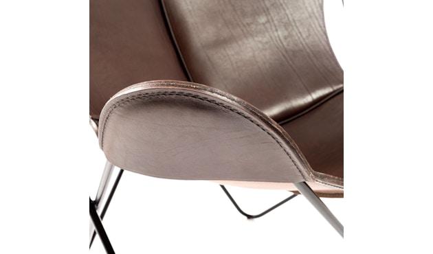 Manufakturplus - Butterfly Chair Hardoy - B.K.F. Chair Stahlrahmen schwarz, Sattel-Leder braun - 2