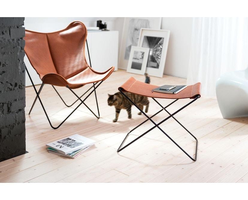 Manufakturplus - Fußteil für Hardoy Butterfly Chair - Stahlrahmen weiß, Biobüffel-Leder schwarzbraun - 4