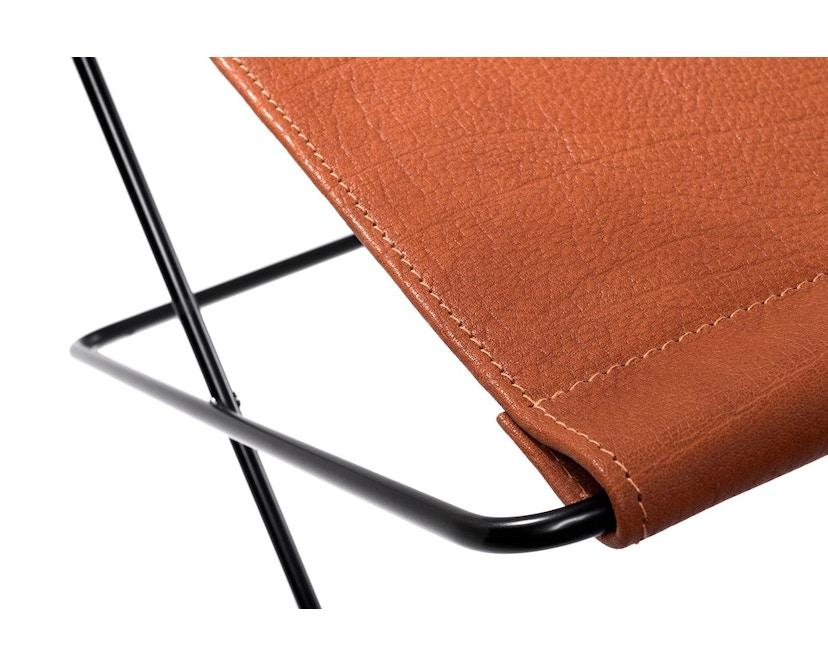 Manufakturplus - Fußteil für Hardoy Butterfly Chair - Stahlrahmen weiß, Biobüffel-Leder schwarzbraun - 3