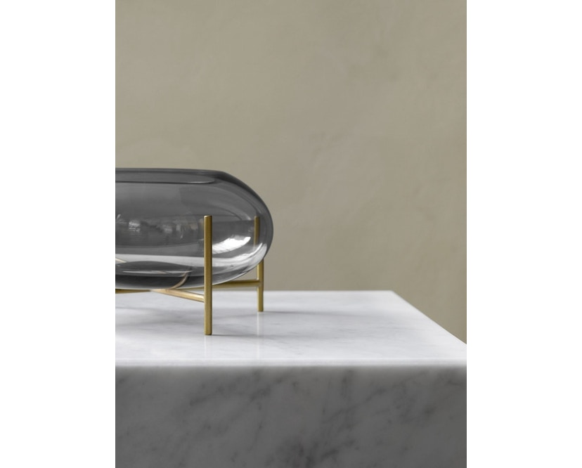 Menu - Échasse Hurricane Teelichthalter - Smoke/Brushed Brass - 5