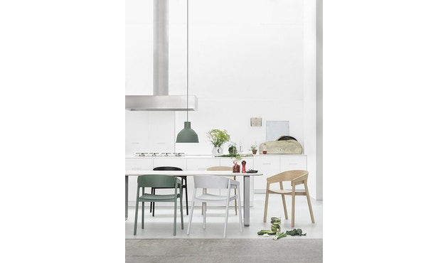 Muuto - Cover Stuhl mit Lederpolster -Leder schwarz - 3