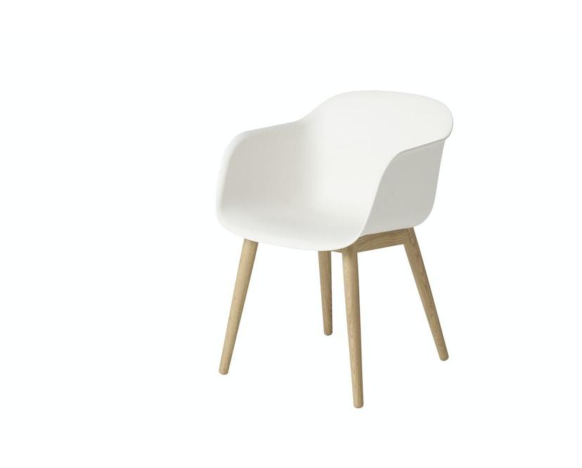 Muuto - Chaise Fiber - Piètement en bois - Blanc - Structure Chêne - 2