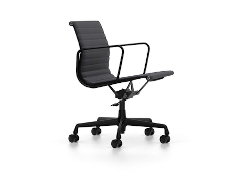 Vitra - Aluminium Chair EA 117, Untergestell beschichtet tiefschwarz, weiche Rollen für harte Böden - Hopsak - 66 nero - 2