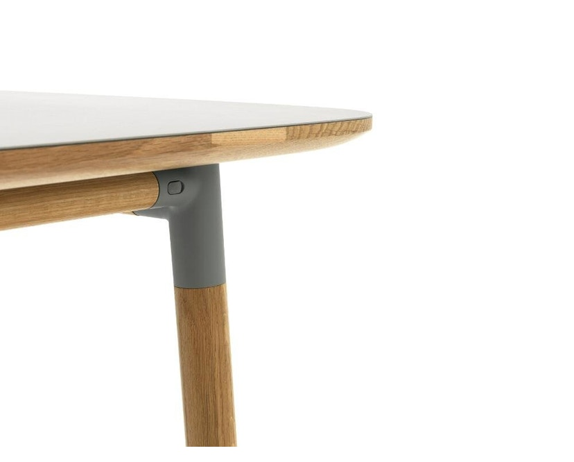 Normann Copenhagen - Form Tisch - grey/ oak - M - 6