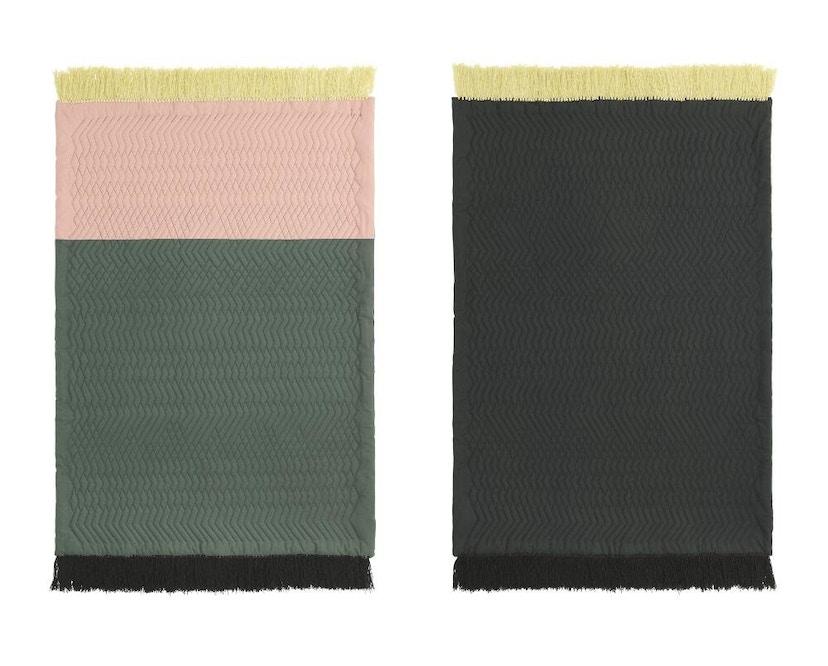 Normann Copenhagen - Trace Teppich - blush/ dark green - 3