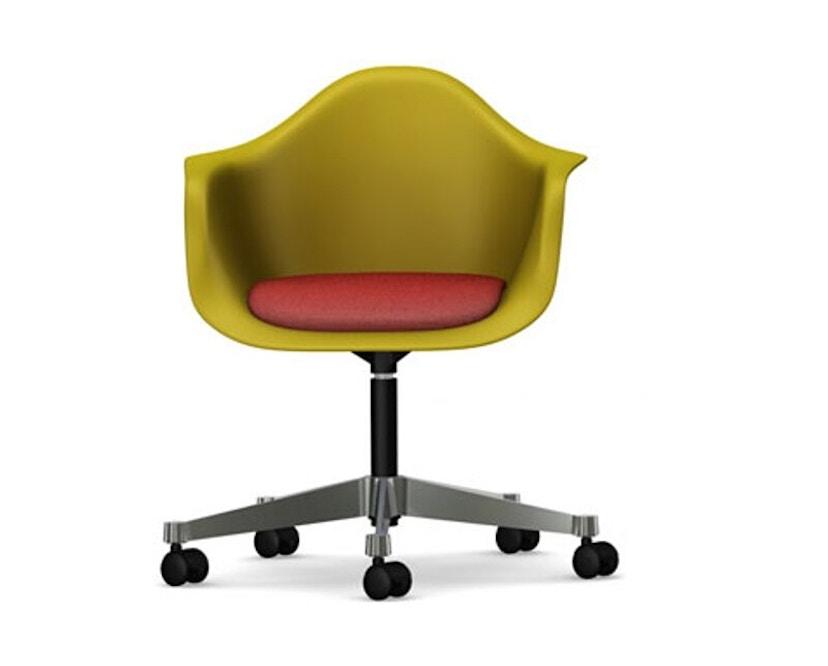 Vitra - Eames Plastic Armchair PACC avec assise rembourrée - Hopsak - rouge/cognac - moutarde - 1