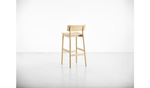 Woud - Pause Bar Stuhl - Sitzhöhe 65 cm - white pigmented lacquer oak - 5