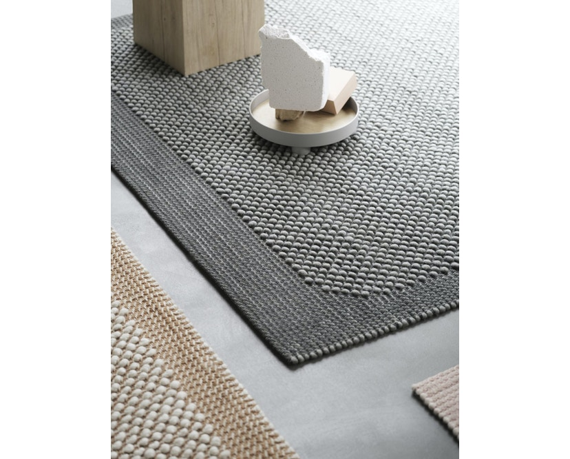 Muuto - Pebble Rug Teppich - 200 x 300 - Dark Grey - 4