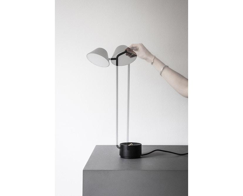 Menu - Peek tafellamp - zwart - 8