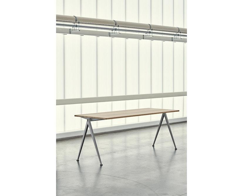HAY - Pyramid Schreibtisch - Eiche matt lackiert - Gestell beige - 140 x 65 cm - 2