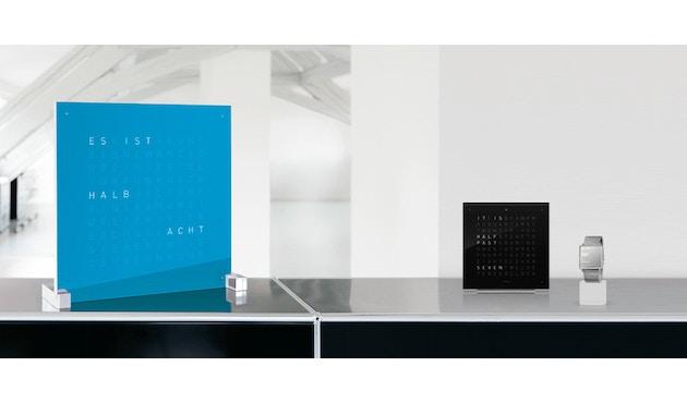 QLOCKTWO - Qlocktwo Classic - französisch - blau - 3