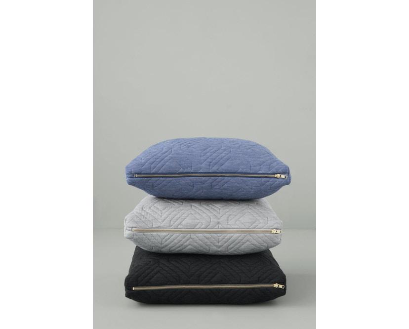 ferm LIVING - Quilt Kissen - dunkelgrau - 40 x 25 - 3