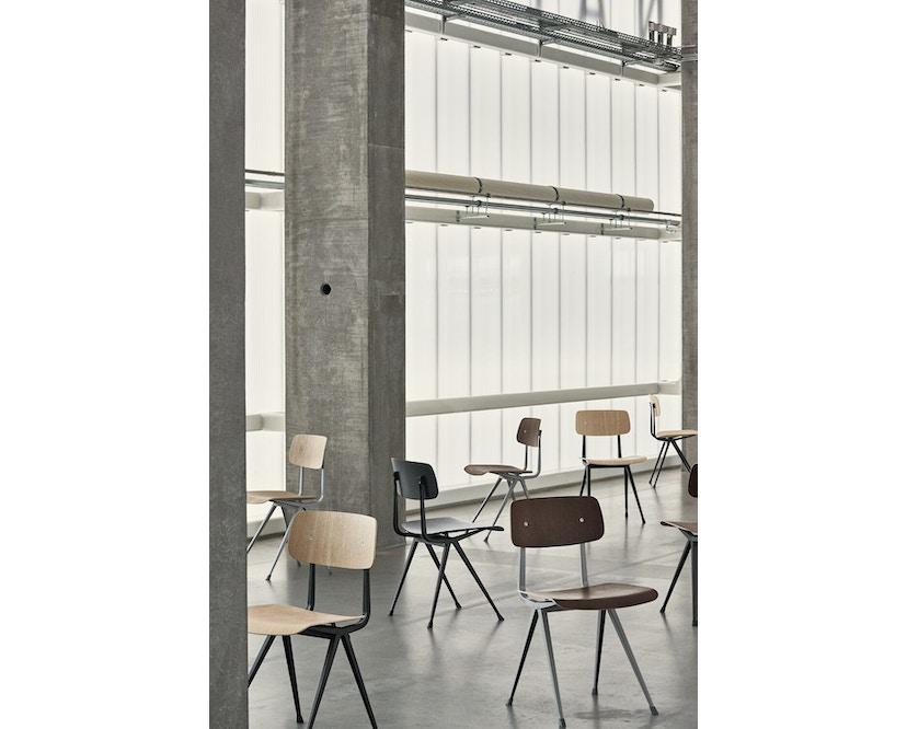 HAY - Result Stuhl - Eiche klar lackiert - Gestell schwarz mit Kunststoffgleitern - 6