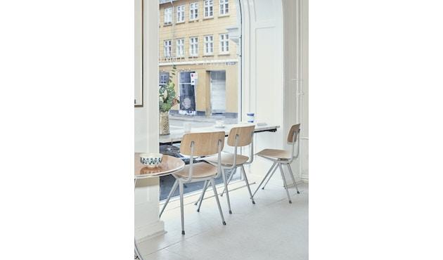 HAY - Result Stuhl - Eiche klar lackiert - Gestell schwarz mit Kunststoffgleitern - 7
