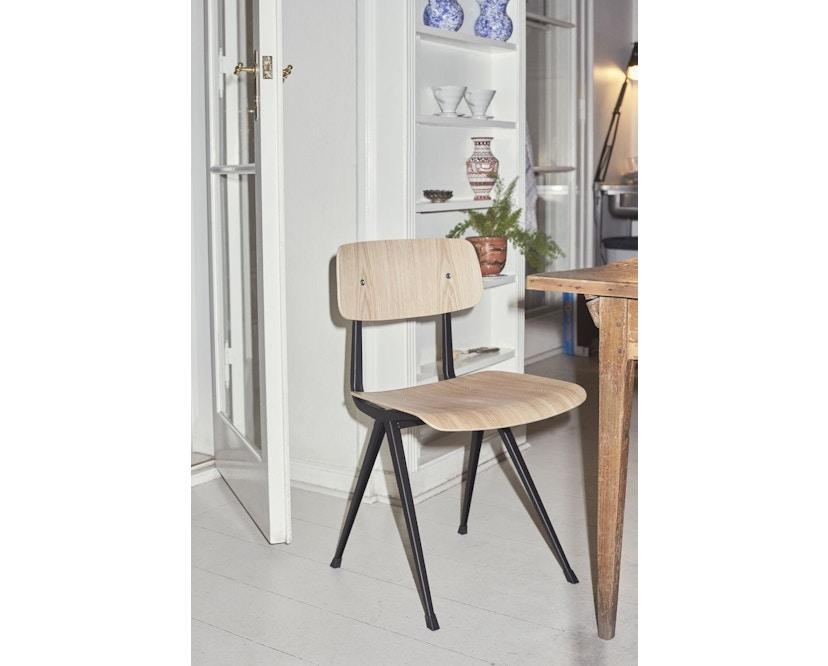 HAY - Result Stuhl - geölte Räuchereiche - Gestell beige mit Kunststoffgleitern - 4