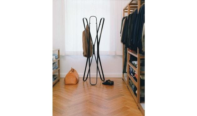 Classicon - Saturn Garderobenständer - schwarz - 9
