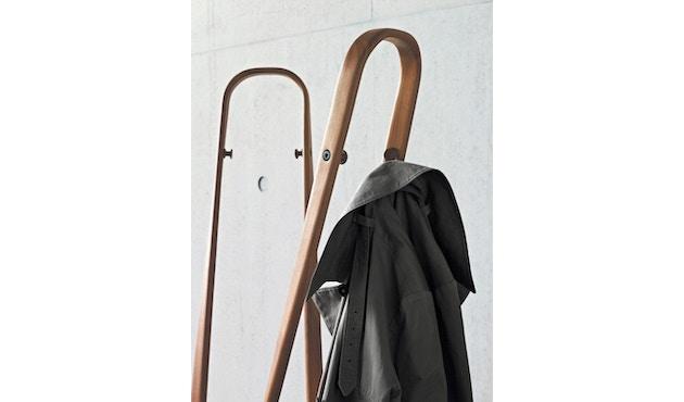 Classicon - Saturn Garderobenständer - schwarz - 11