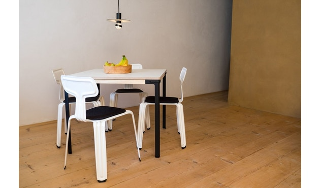 Moormann - Seiltänzer Tisch - Laminat weiß rotes Seil - 90 x 90 - 6