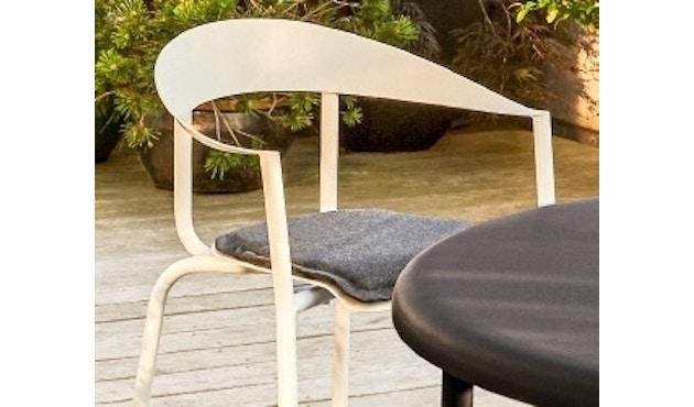 Conmoto - ALU MITO Auflage für Stuhl - anthrazit - 1