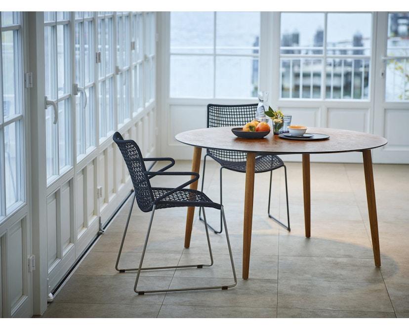 Weishäupl - Slope Tisch - rund - Holzbeine - HPL weiß - 2