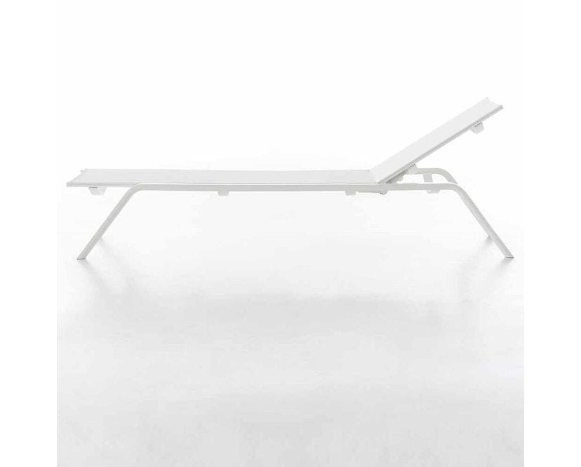 Gandia Blasco - Stack Liegestuhl - Gestell weiß - weiß - 4