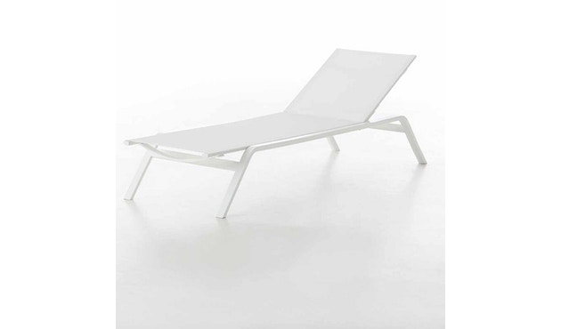 Gandia Blasco - Stack Liegestuhl - Gestell weiß - weiß - 1