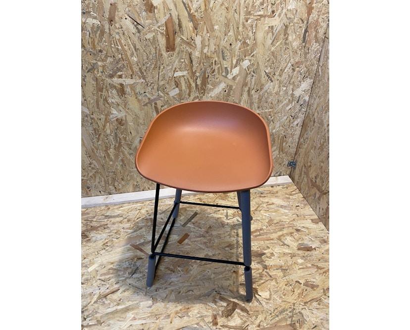 HAY - About a Stool AAS38 - orange - Gestell schwarz - H76 cm