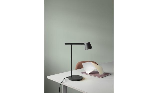Muuto - Tip LED Tischleuchte - schwarz - 4