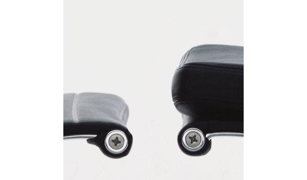 Vitra - Aluminium Chair - EA 117 - 6