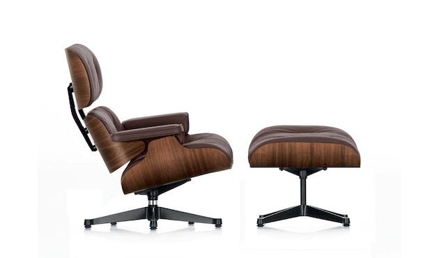Vitra - Lounge Chair & Ottoman - poli / côtés noirs - hauteur originelle - 84 cm - Noyer - pigment noir - Cuir - chocolat - 1
