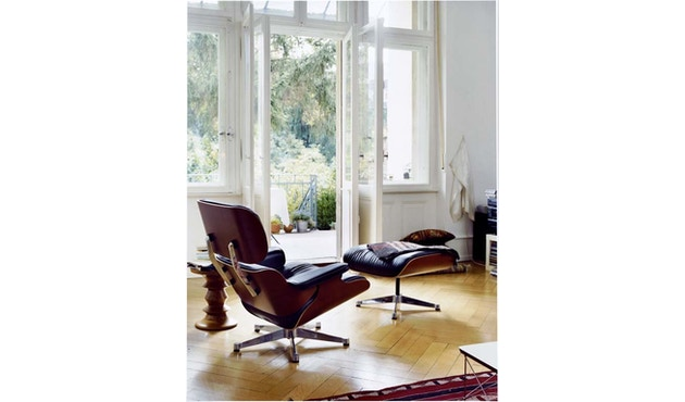 Vitra - Lounge Chair & Ottoman - 4