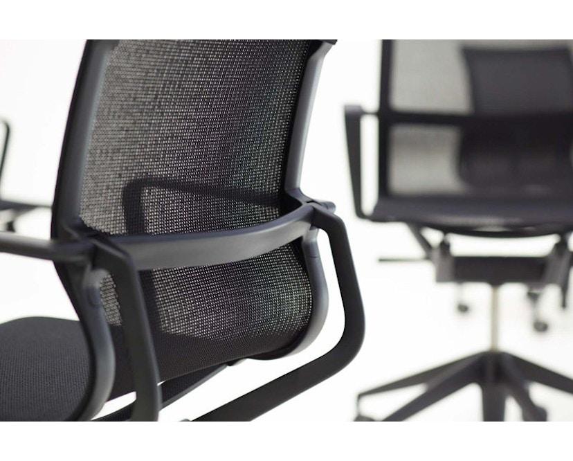 Vitra - Physix Bürodrehstuhl - RollehartTeppichboden-Aluminiumfuss beschichtet soft grey-01 silber-Rahmen 53soft grey - 5