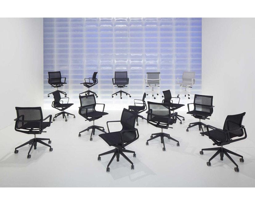 Vitra - Physix Bürodrehstuhl - RollehartTeppichboden-Aluminiumfuss beschichtet soft grey-01 silber-Rahmen 53soft grey - 6